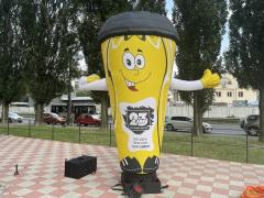 Inflatable humans are a reliable advertising tool